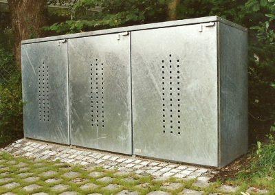 Mülltonnenbox an Villa Wohnhaus in Feldafing