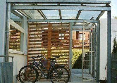 Fahrradgarage an Wohnhaus in Fürstenfeldbruck