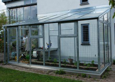 Gewächshaus an Wohnhaus in Gauting
